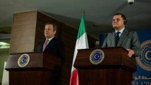Dalam perjalanan pertamanya ke luar negeri, PM Italia yang baru mengunjungi Libya