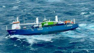 Kru dievakuasi karena kapal kargo Belanda berisiko tenggelam di lepas pantai Norwegia