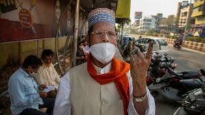 Negara bagian India memberikan suara di tengah lonjakan terbaru dalam kasus virus corona