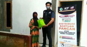 Sikapi PPKM Level 4, ACT Jambi Salurkan Ribuan Paket Makan dan Sembako Door to Door ke Rumah Warga