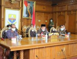 VidCon dengan Bupati/Walikota, Gubernur Perkuat Koordinasi Penanganan Covid-19