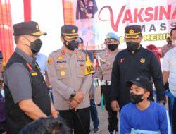 Kapolda Jambi Tinjau Pelaksanaa Vaksiansi Masal di Kerinci