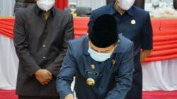 Gubernur Jambi Alharis Teken Berita Acara Rancangan KUPA PPAS Perubahan APBD 2021